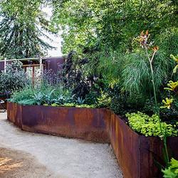 Small Backyard Ideas for an Edible Garde