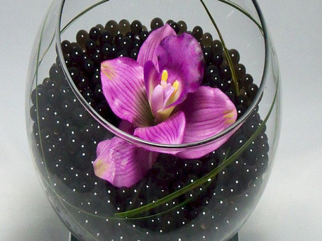 Centerpieces With These Beautiful Cosmo Beads Water Balls