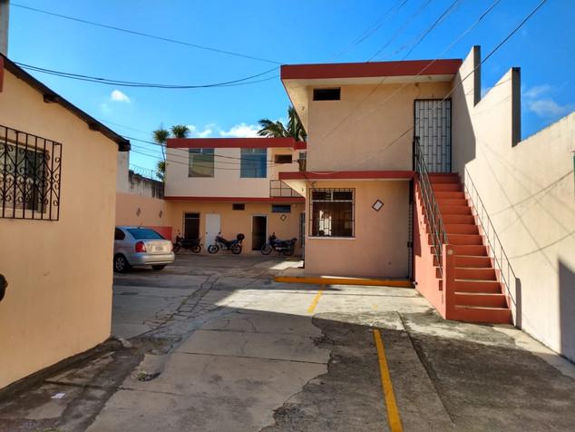 """Complejo de Oficinas   """"La Aurora""""Zona 13   Cd. de Guatemala"""