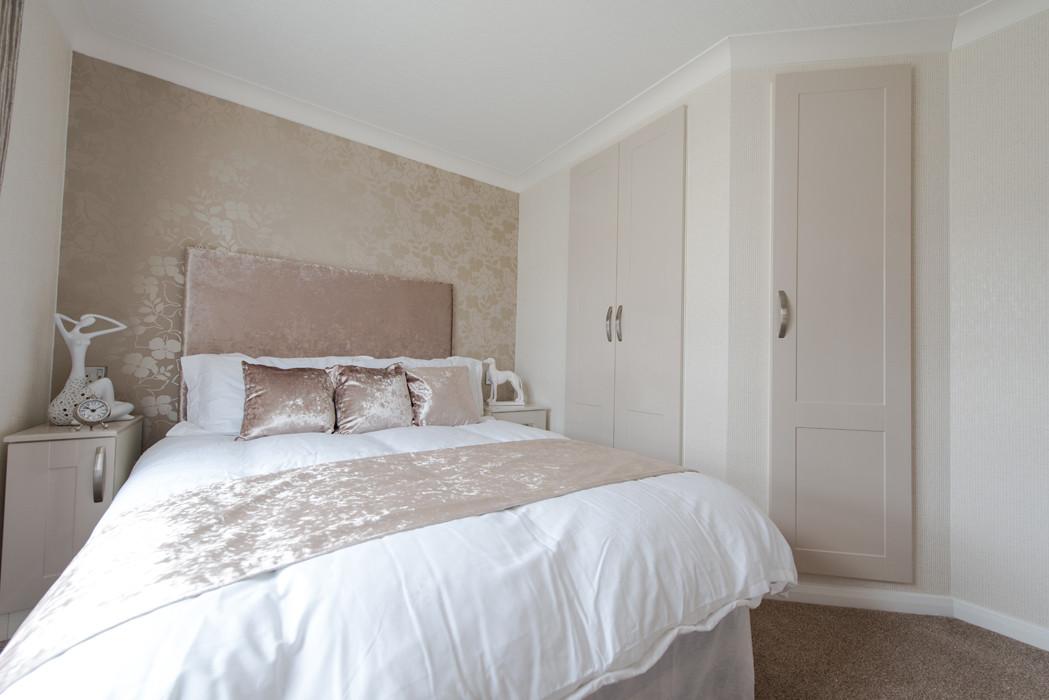 woodburn luxury lodge royal arch riverside park bedroom
