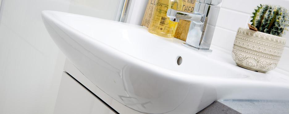 ovation lodge bathroom sink