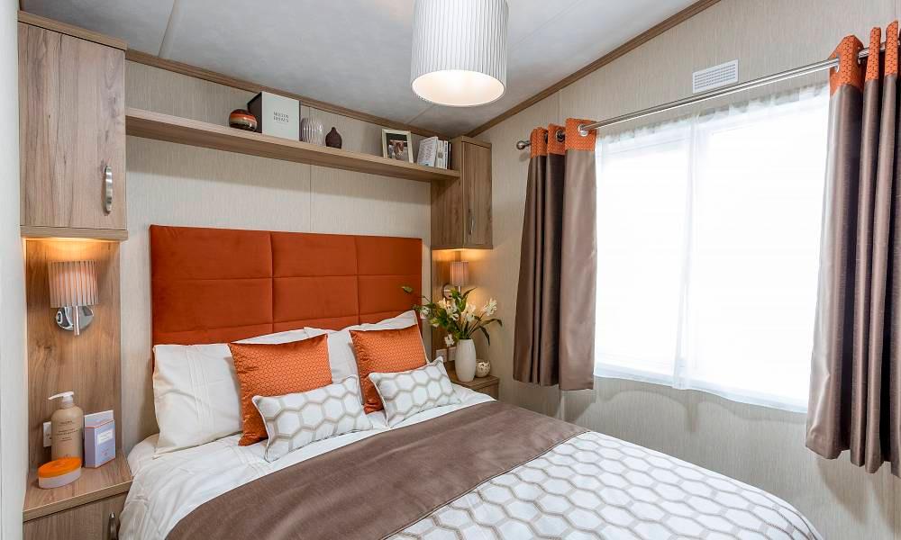 Regent Luxury Lodge Aberdeenshire Scotland master bedroom