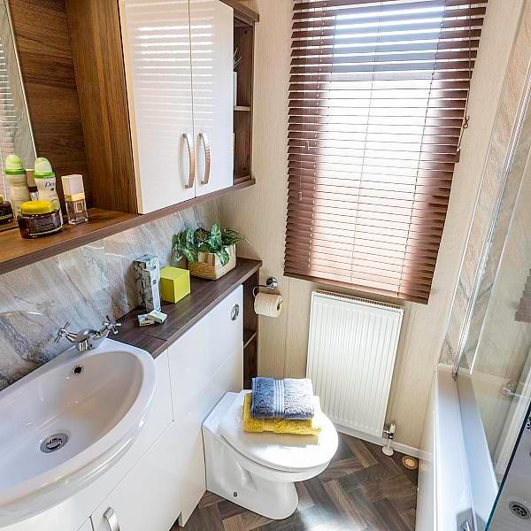 Park Lane Luxury Lodge by Pemberton bath