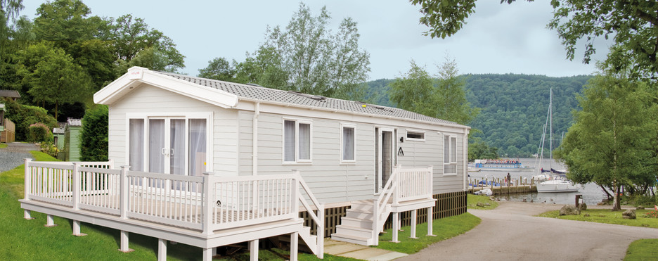 Ovation Lodge Exterior