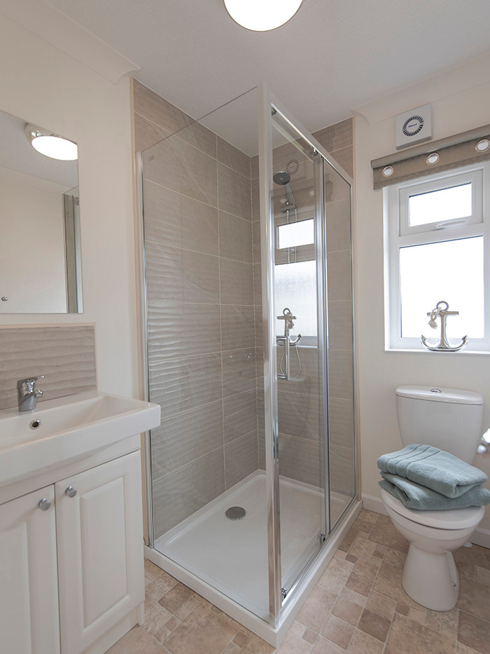 Badminton luxury holiday home shower