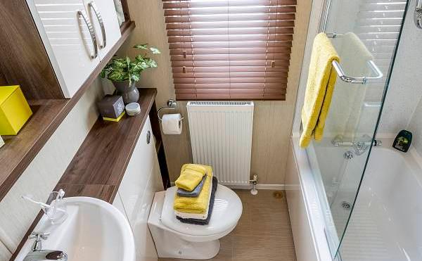 Park Lane Luxury Lodge by Pemberton toilet