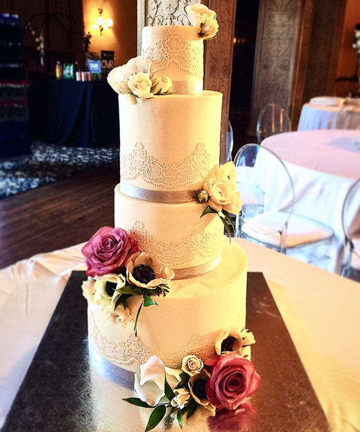 Lace Wedding Cake.jpg