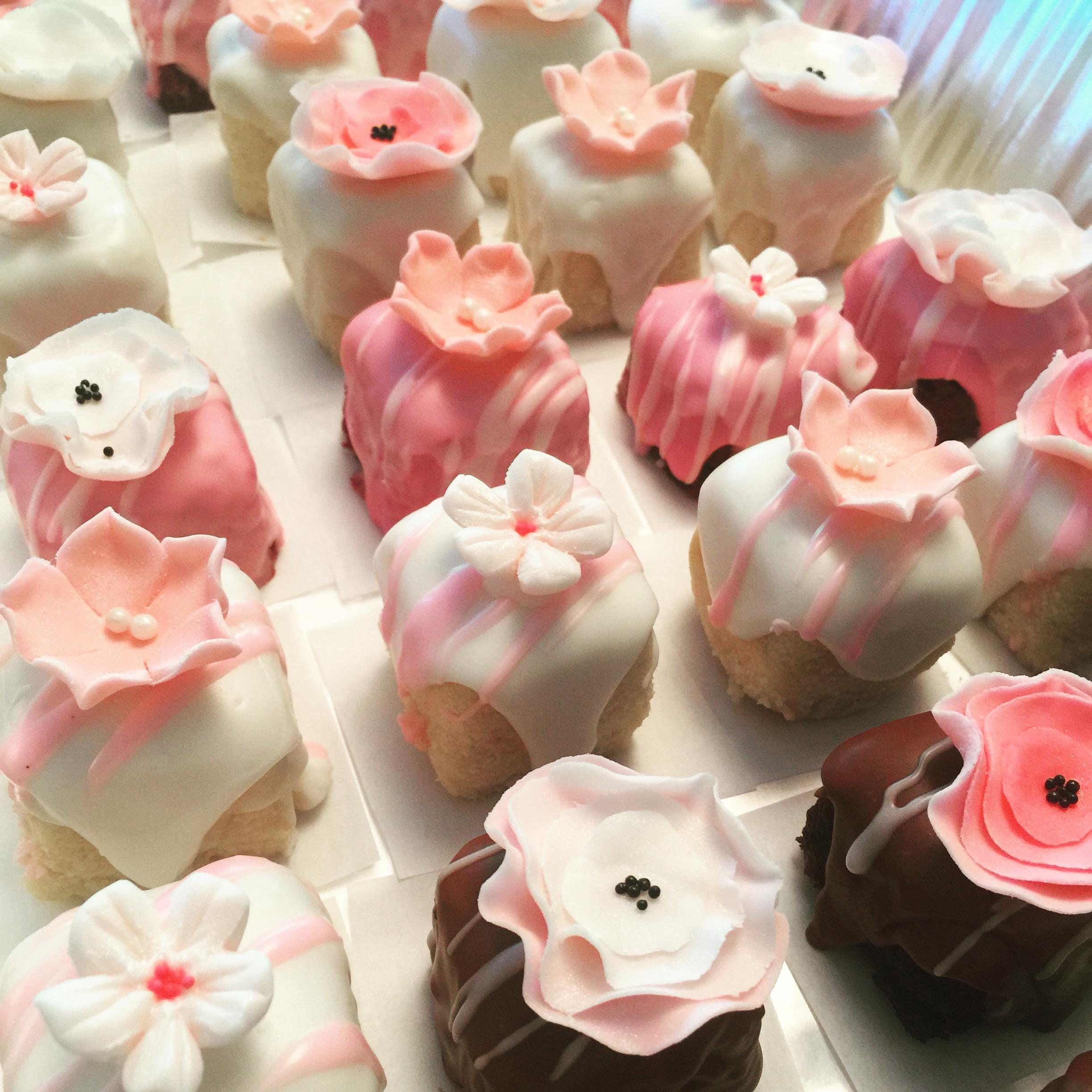 Petite Tea Cakes