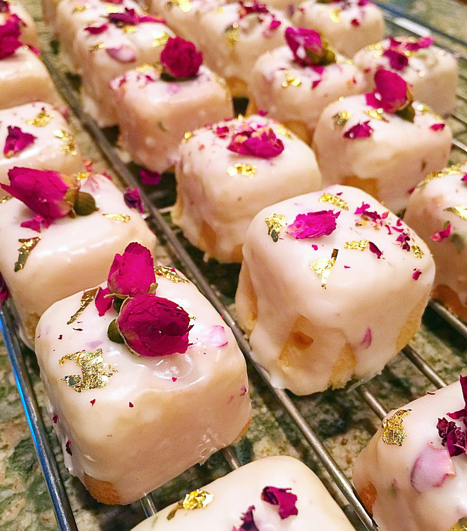 Petit Rose Cakes