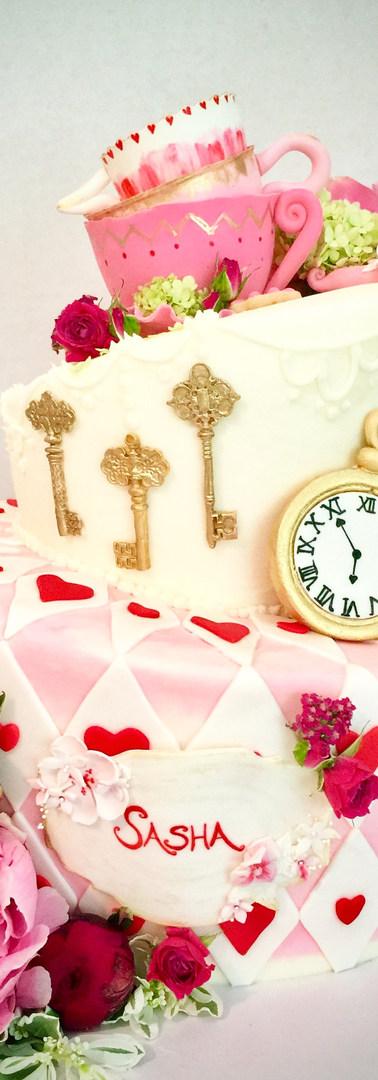 Alice n' Wonderland Topsy-Turvy Cake