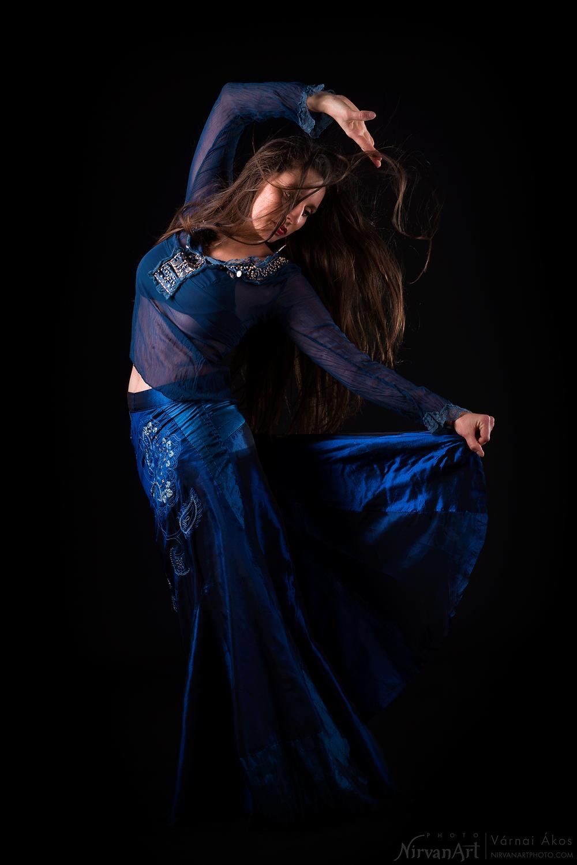 portré fotó Fodor Rékáról flamenco tánc közben
