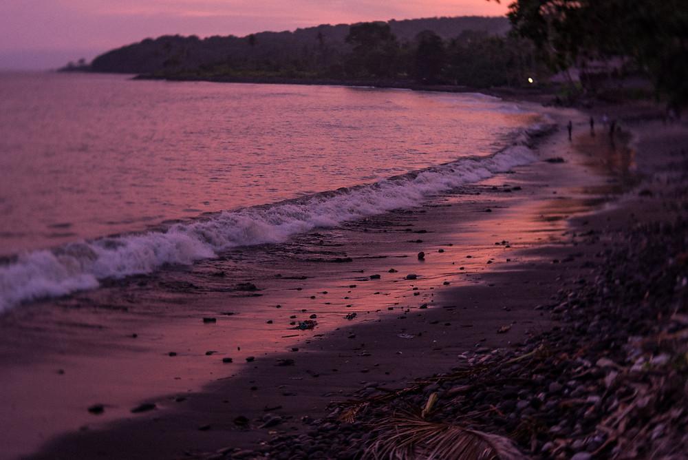 Bali tengerpart esti színekben