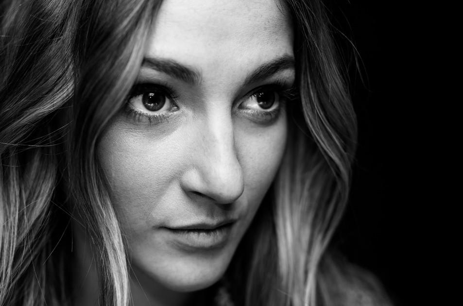 bw face portrait of a woman