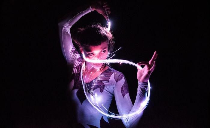 kreatív portré fotó fényekkel