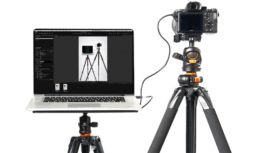 Enteriőr fotózás állványról, számítógéppel összekötve