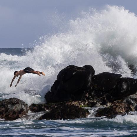 1821 Diver--Crashing wave--Hookipa Point--Maui