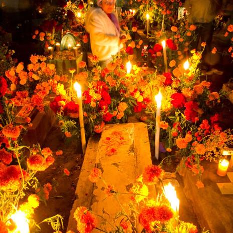 802 Day of the Dead--Panteon--Xococotlan Viejo--Oaxaca