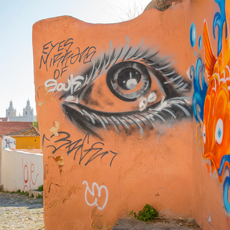 1720 Lisbon--Alfama--Graffiti Potugal