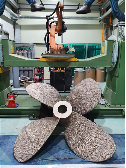 2m large ship propeller manufactured by wire arc 3D lamination systemⓒKITECH