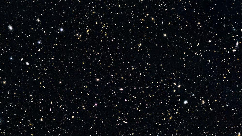 © Photo: NASA, ESA, G. Illingworth (University of California, Santa Cruz), P. Oesch (University of California, Santa Cruz; Yale University), R. Bouwens and I. Labbé (Leiden University)