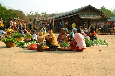 Pagan Market 2_reflections_of_myanmar 14.jpg