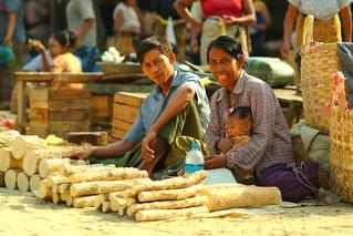 Pagan Market 1_reflections_of_myanmar.jpg