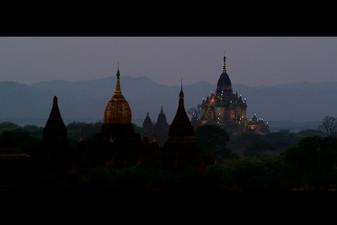 Dawn_reflections_of_myanmar.jpg