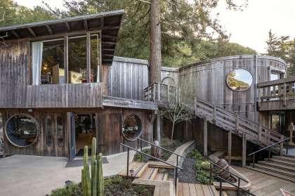 COAST Big Sur coffee shop