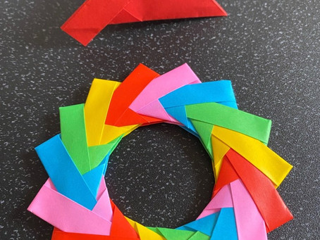 Orgami wreath using mette units