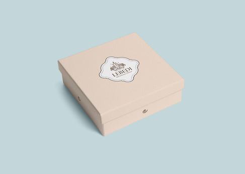 Box2_Lebedi_Maller.jpg
