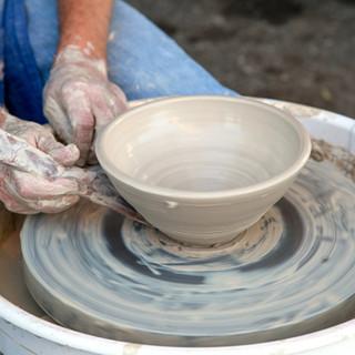 Clay Pot sur la poterie roue