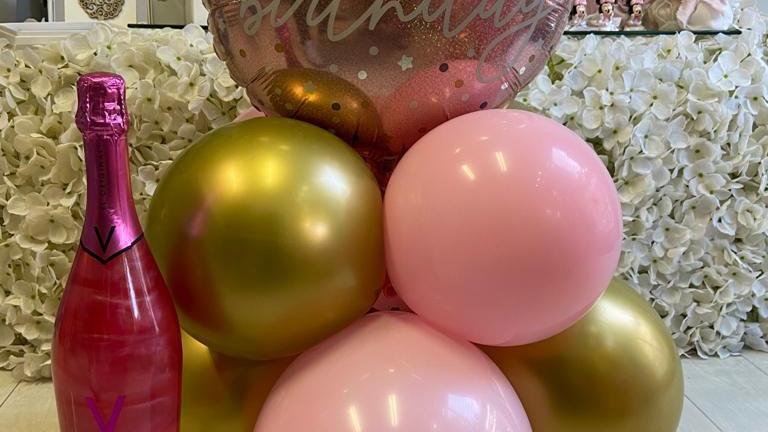 pacchetto spumante Aviva + composizione palloncini da tavolo