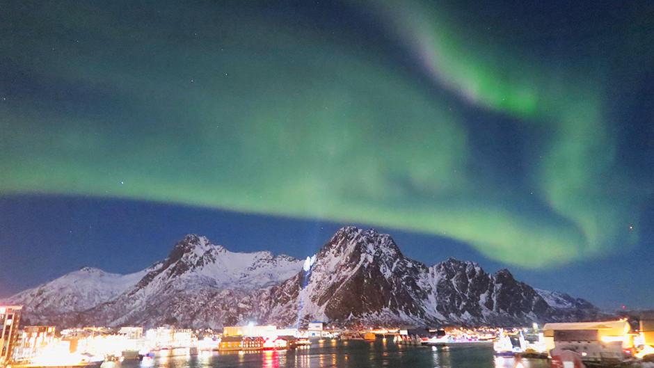 郵輪極地追幸福北極光