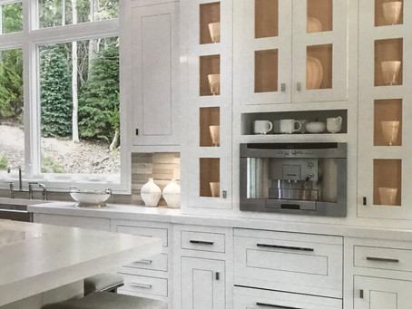 CUSTOM CABINET DOES NOT GET ANY BETTER THAT THIS IN YOUR KITCHEN FOR ELEGANCE DISPLAYING