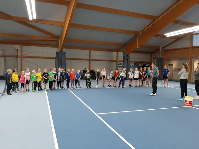 Übernachtung der Tennisjugend in der Tennishalle