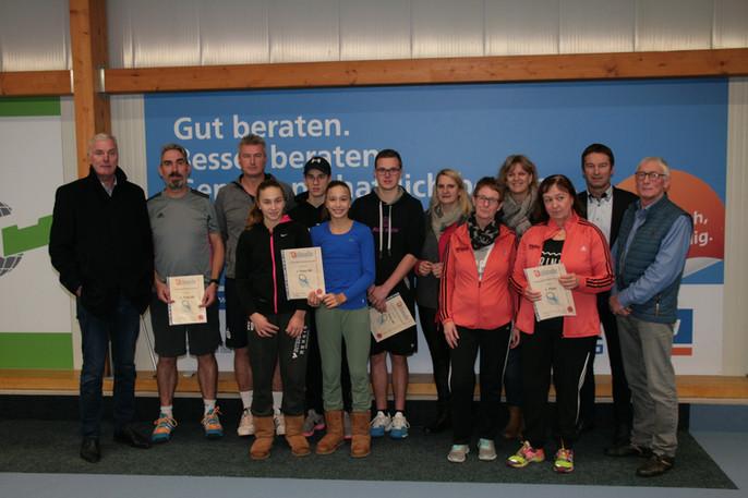 Spannendes Tennis beim Grafschafter Volksbank Cup  29 Teams beim Doppelturnier des TC Blau-Weiß Emli