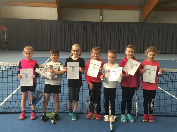 Niedergrafschafter Tennisneulinge bei der Emlichheimer Winter-Tour