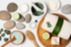 flat-lay-spa-concept-with-towel-stones_2