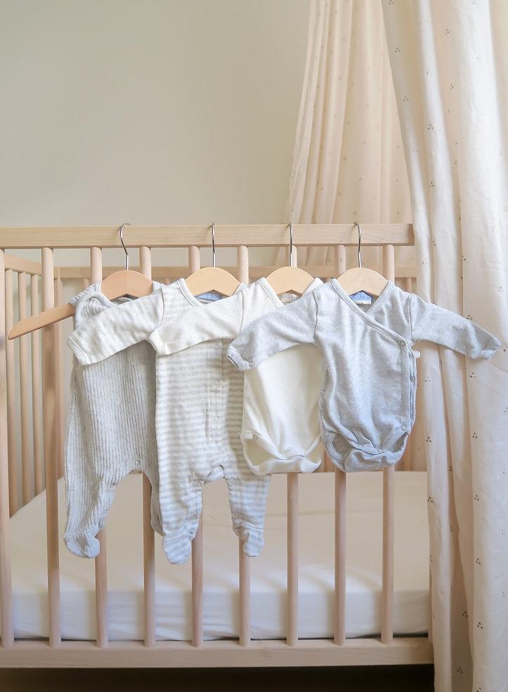 Neugeborene Garderobe