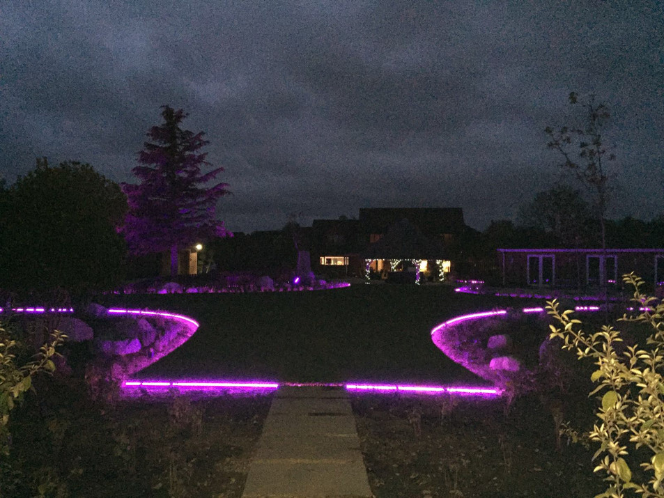 Not all lawn come with lights, but this one does.
