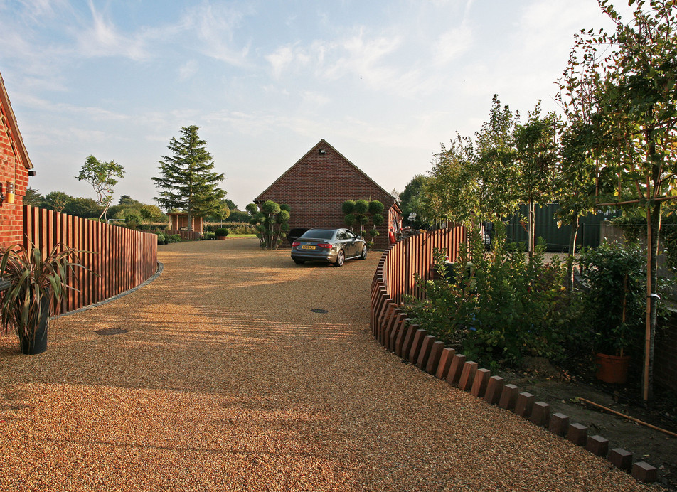 gravel driveway garden design. Burnham Market, near Blakeney, North Norfolk