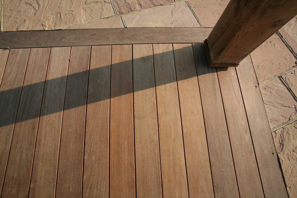 We love to incorporate hard wood and other unique materials into our garden designs throughout Norfolk & Norwich.
