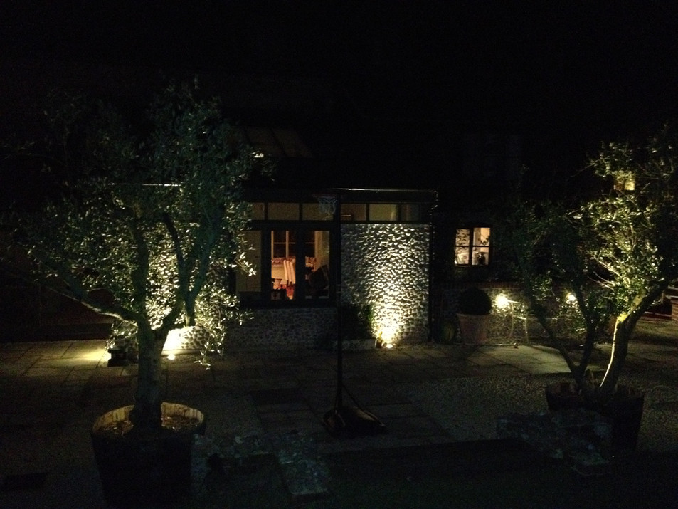 Copper Hunza Garden spot light