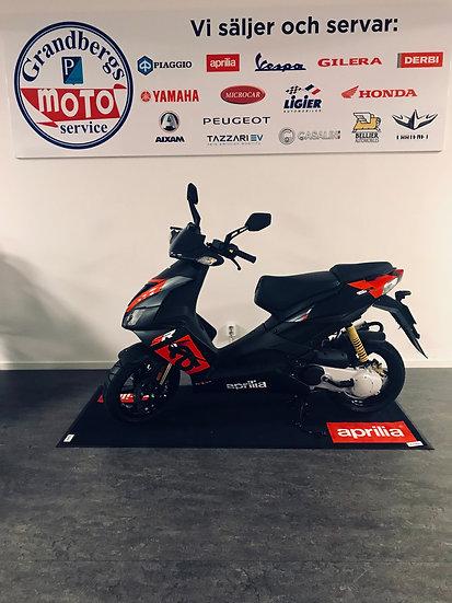 Aprilia SR 50 R Racing Black