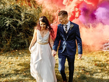 Smoke Bomb Exits (2019 Destination Wedding Trend) & Practical Ways To Pull Them Off!