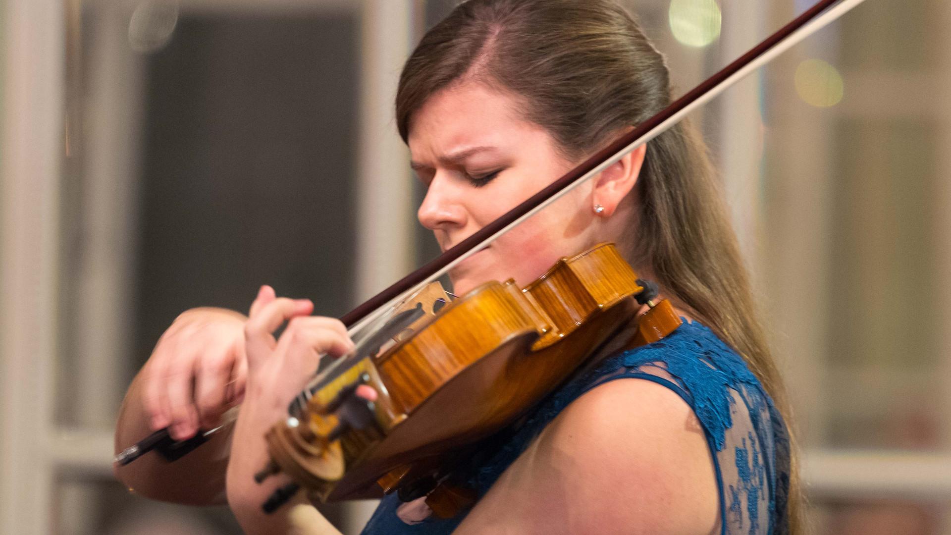 Paul Hindemith - Viola Sonata op.11 Nr. 4