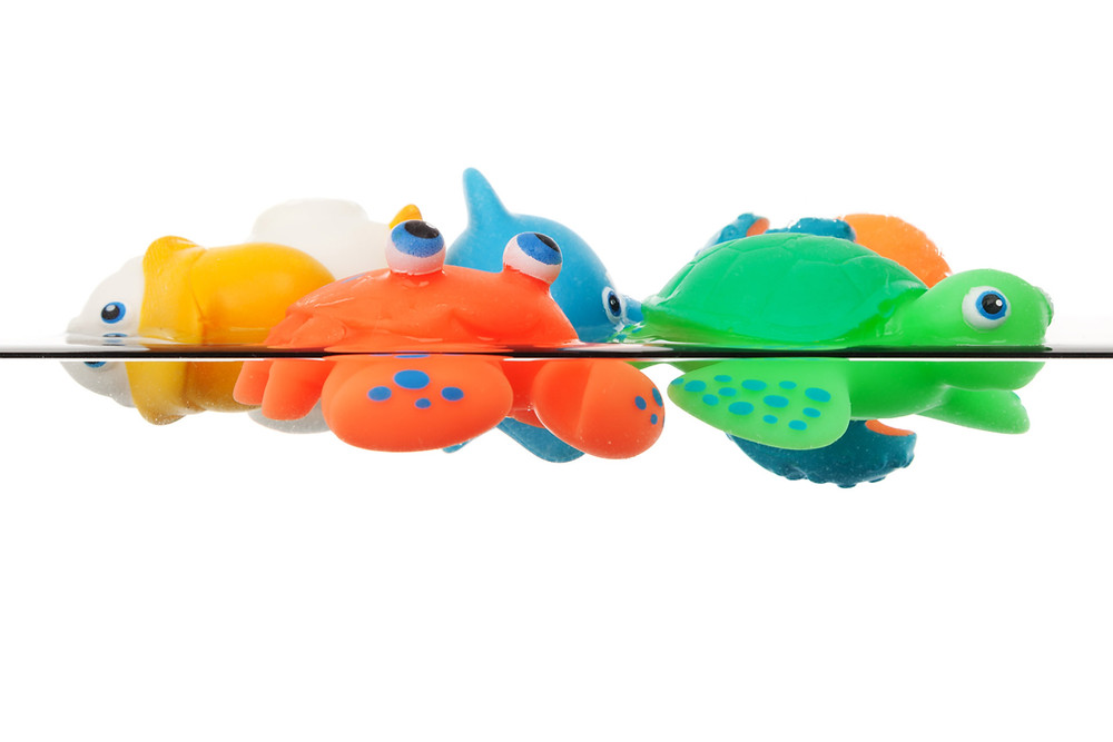 how to remove mold from plastic toys, mold in bath toys, moldy bath toys clean