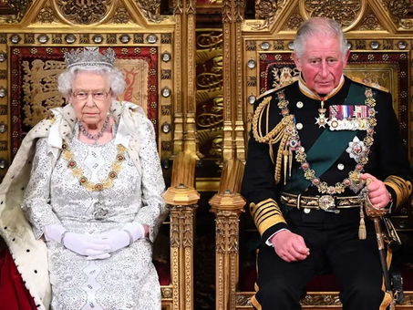 Elisabetta non abdicherà e Carlo non sarà mai re. Dopo di lei, arriverà il regno di William