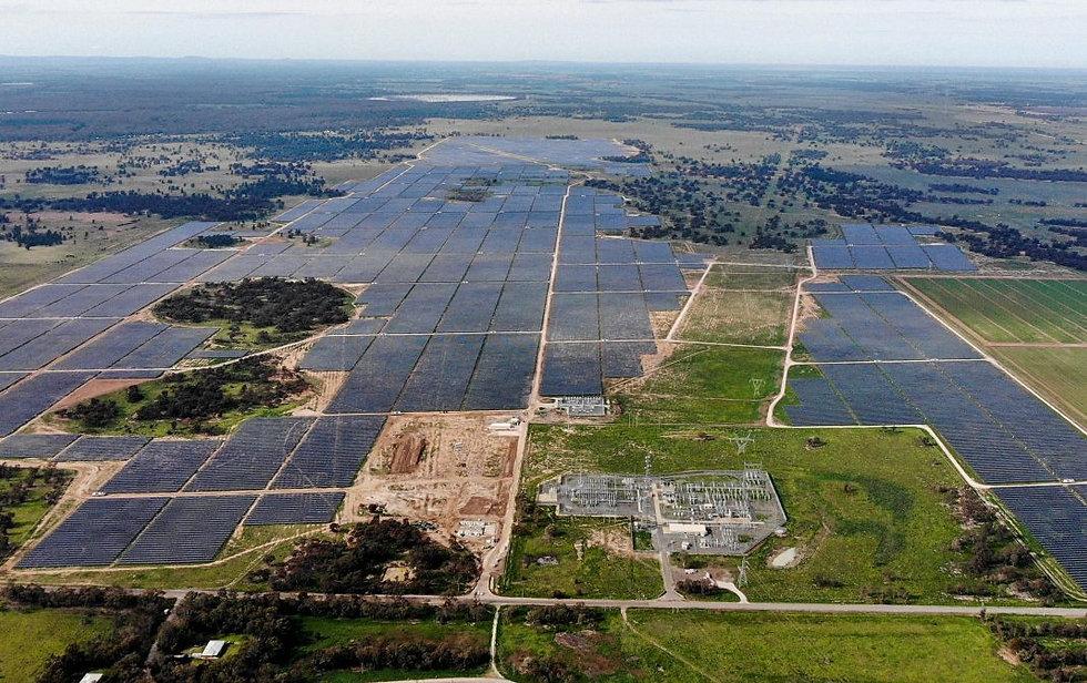 Darlington-Point_Solar_Farm_Edify-1068x6