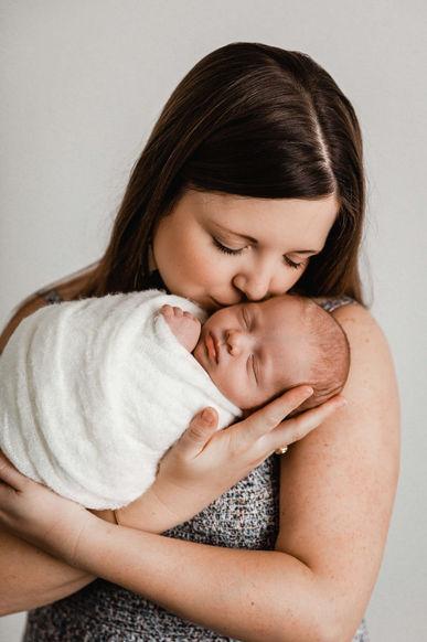 newborn photographer round rock tx